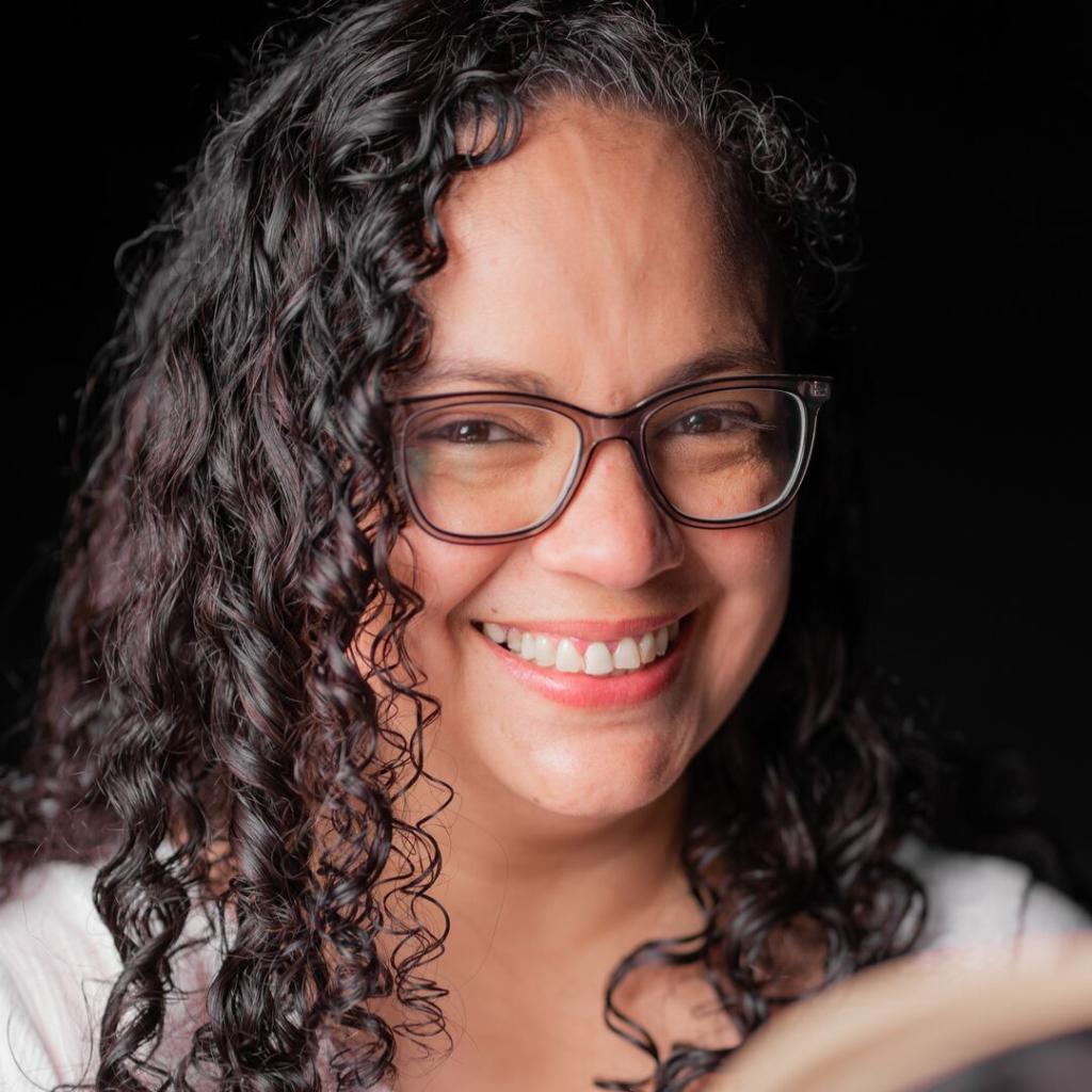 Lédif Torres - Representante de Editorial OB STARE en Estados Unidos
